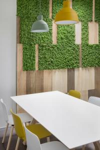 Pareti verdi verticali come realizzarle all 39 interno degli uffici - Pareti verdi per interni ...